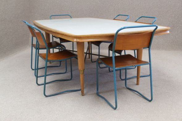 vintage-style-table