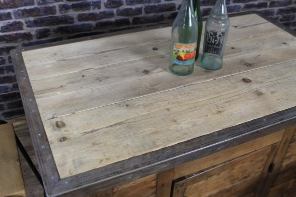 Rustic Country Kitchen Island