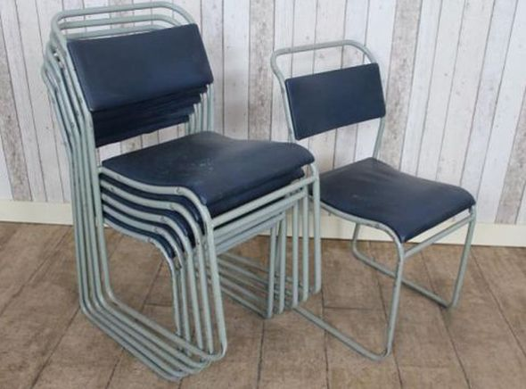 metal-stacking-chairs