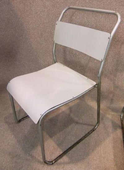 white-tubular-stacking-chair-retro-vintage