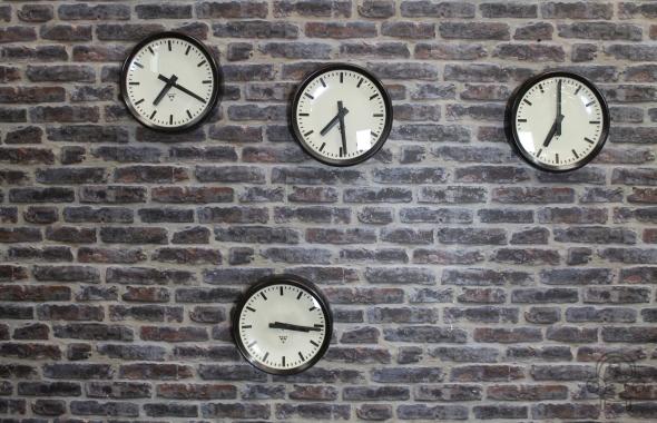 SC357 clocks001.jpg